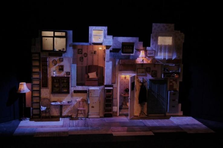 Sgint Theatre Set